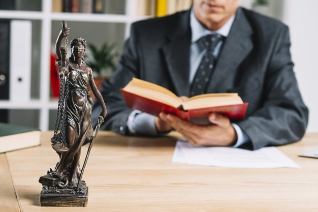 ¿Qué se necesita para ser un abogado exitoso?